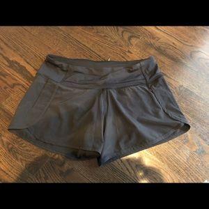 Lululemon run time shorts size 6